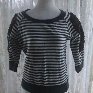 Daytrip medium striped light sweatshirt